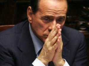 Berlusconi mani 01
