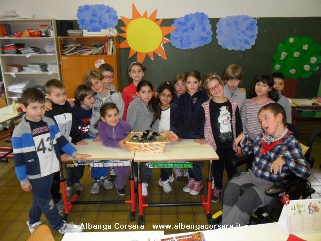 Finale ligure un fiocco giallo per la scuola primaria - Bagni lido andora ...