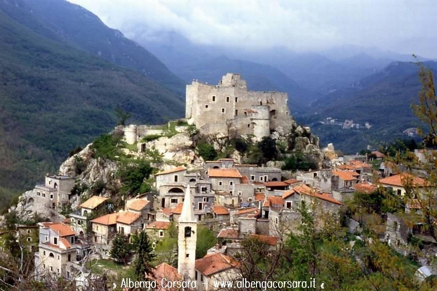 Turismo intesa tra liguria e touring club italiano sui for Borghi liguria ponente
