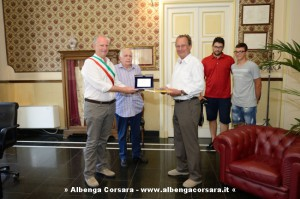 Consegna targa Alassio a Erhard Turnwald