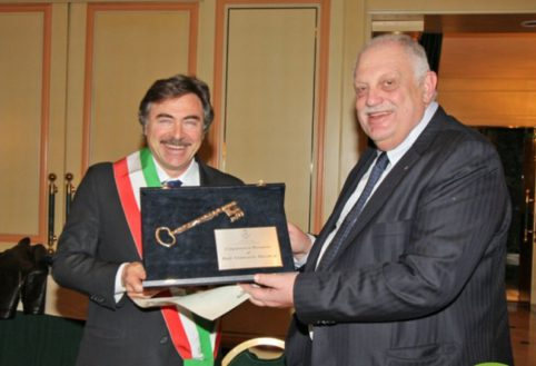 Giancarlo Mazzuca cittadino onorario di Assago