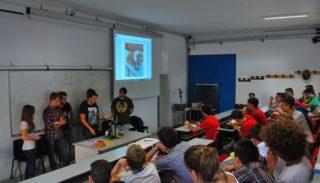la-stampante-3d-costruita-e-spiegata-dai-giovani-ai-giovani