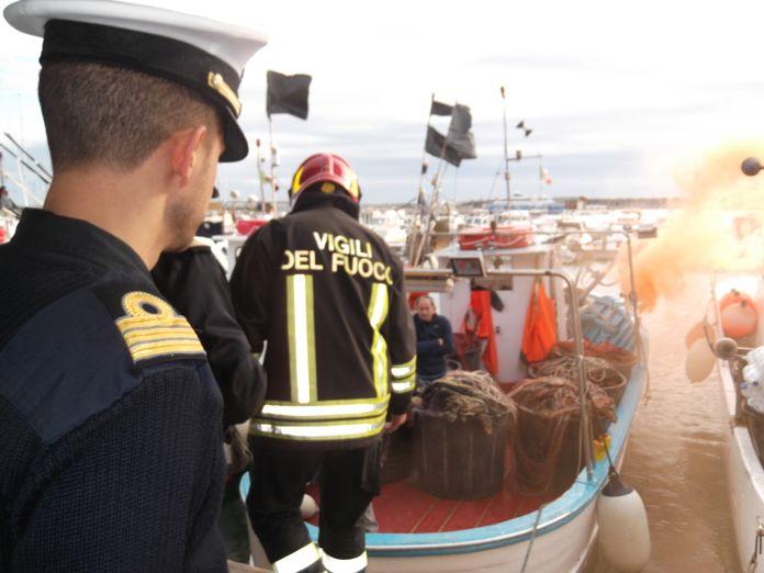 esercitazione-antincendio-nel-porto-di-loano-02