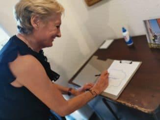 Sara Simeoni visiting Alassio and the Muretto