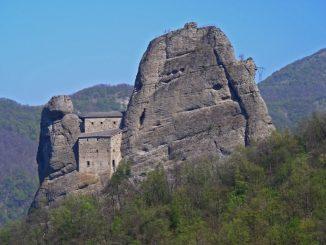 The Stone Castle of Vobbia - Antola Regional Nature Park
