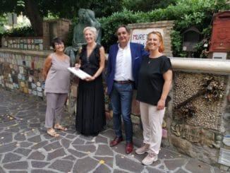 Sara Simeoni en Alassio para firmar el Muretto
