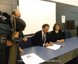 Savona firma accordo Palazzo Rovere 15-1-2014