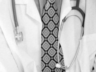 camice bianco stetoscopio xG00 e1476124469329