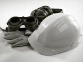 casco e guanti lavoro e1467992694850
