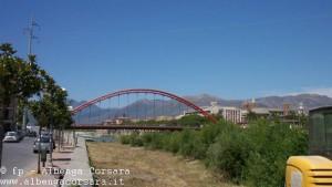Albenga ponte rosso e torri in lontananza 1 per G00