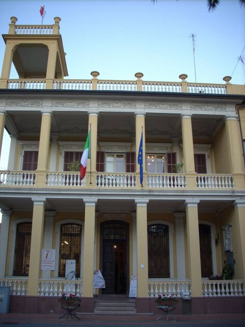 Borghetto palazzo Pietracaprina G
