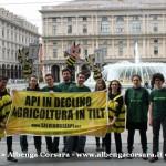 4 Api Greenpeace Genova 10 5 2014