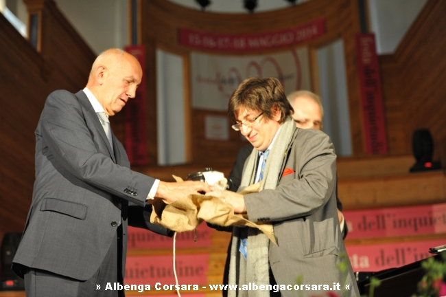 Sindaco Finale Ligure premia Bahrami – Foto Carlo Giuliano