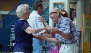 anziani sorridenti generica xG00