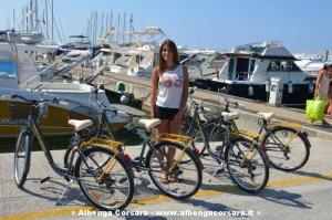 miss Andora Rebecca Anselmo_ noleggio bici._bjpg