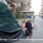 15 Loano costruzione Albero di Natale con materiale di riciclo e differenziata 7