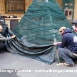 16 Loano costruzione Albero di Natale con materiale di riciclo e differenziata 8
