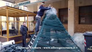 17 Loano costruzione Albero di Natale con materiale di riciclo e differenziata (9)