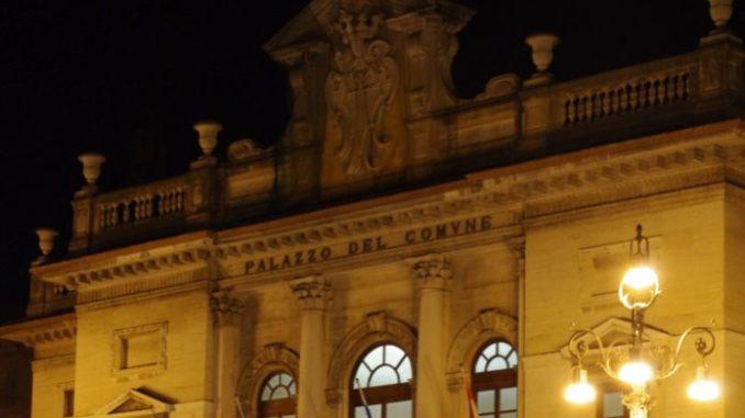 Savona xAC Palazzo Comune Notturno 1 e1472574596239