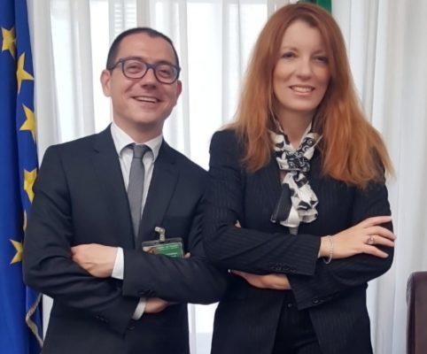 (©DIDA foto): Michela Vittoria Brambilla, presidente della Commissione per l'Infanzia e l'Adolescenza, con Gianmario Gazzi, neo presidente del Consiglio nazionale dell'Ordine degli Assistenti sociali (CNOAS)