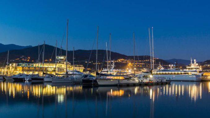 Marina di Loano13lb notturna