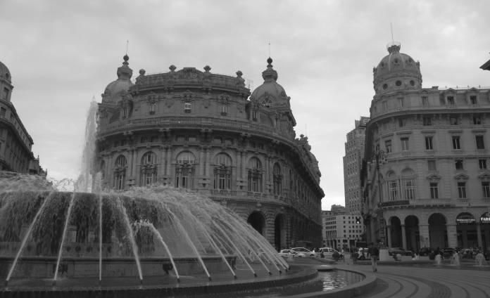 Piazza De Ferrari e Palazzo della Borsa - Genova - BN