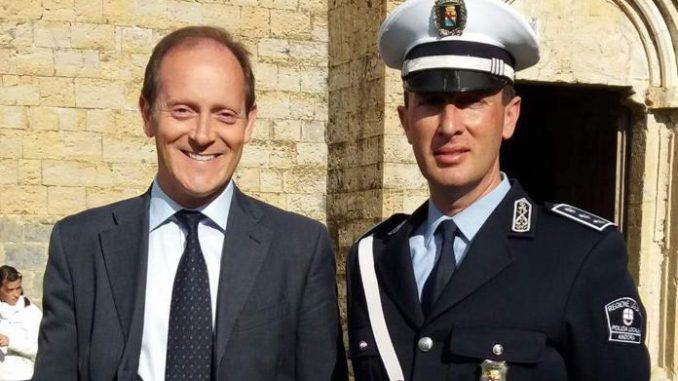sindaco di Andora Mauro Demichelis con il neo Comandante Paolo Ferrari