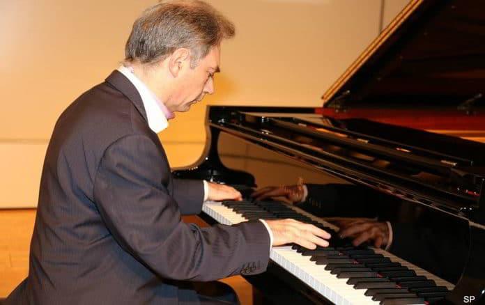 Mario Panciroli - pianista