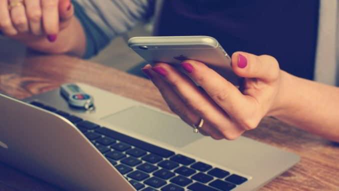 computer e smartphone