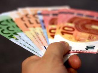 euro vari tagli e mano
