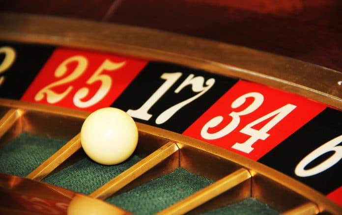 roulette e pallina - gioco azzardo
