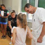 02 dottor Silvio Boero atlete e paziente visita al Gaslni