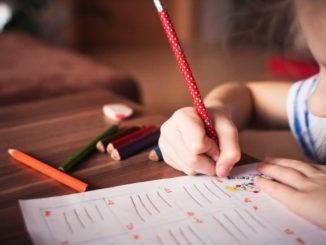 matite colorate bambino