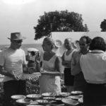 01 Lucio Fontana alla festa del pesce Albissola Marina anni 50. Courtesy Fondazione Lucio Fontana
