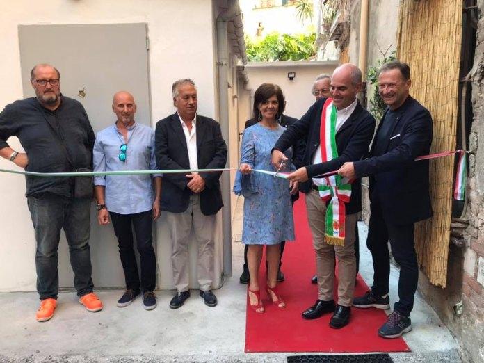 04 – Teatro Ambra – il momento del taglio del nastro – Albenga 2018