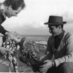 05 Lucio Fontana e Agenore Fabbri in Spiaggia ad Albisola primi anni 50. Courtesy Fondazione Lucio Fontana