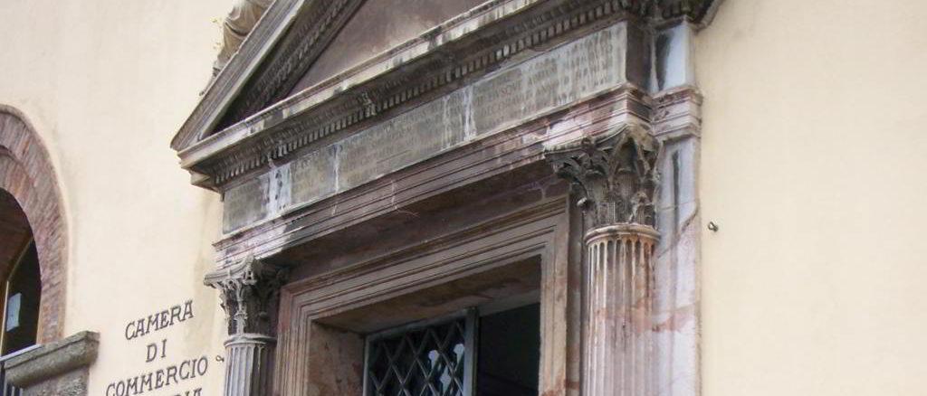 Palazzo Lamba Doria, entrata della Camera di commercio a Savona