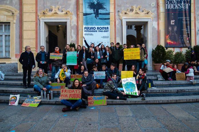 01 Fridays for Future Genova in piazza De Ferrari