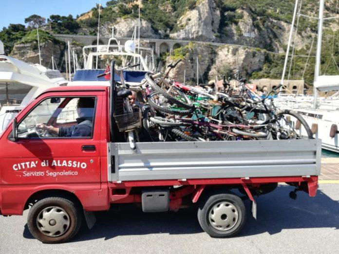 03 Carico bici Alassio