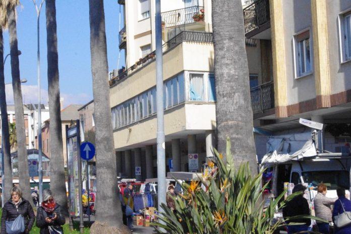 07 Nuovo mercato lungocenta Albenga effe