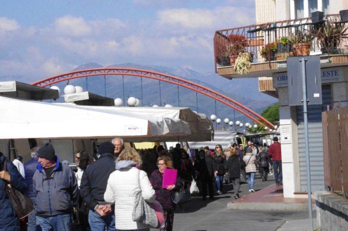 10 Nuovo mercato lungocenta Albenga effe