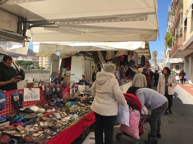 15 Mercato settimanale lungocenta di Albenga