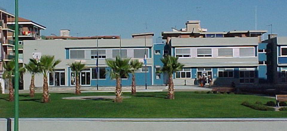 palazzo comune nuovo Borghetto