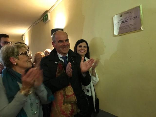 02 Intitolazione Corte di Palazzo Oddo a Vittorio Fiori Albenga 2019