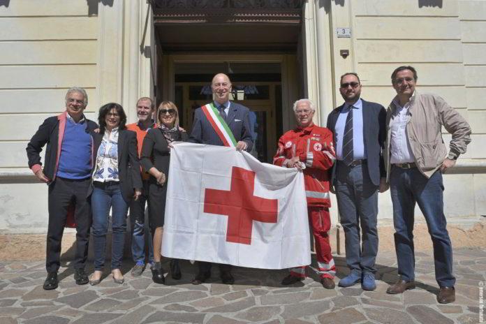 sindaco Alassio bandiera CRI 01