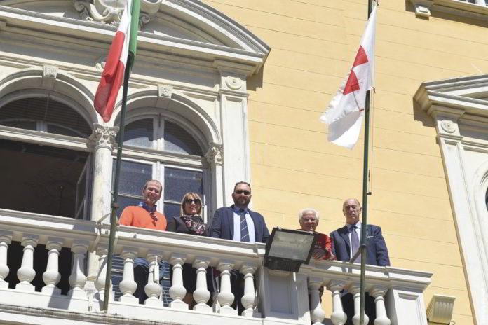 sindaco Alassio bandiera CRI 02
