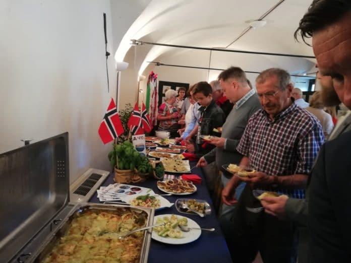 03 Landora piatto del gemellaggio tra Andora e Larvik