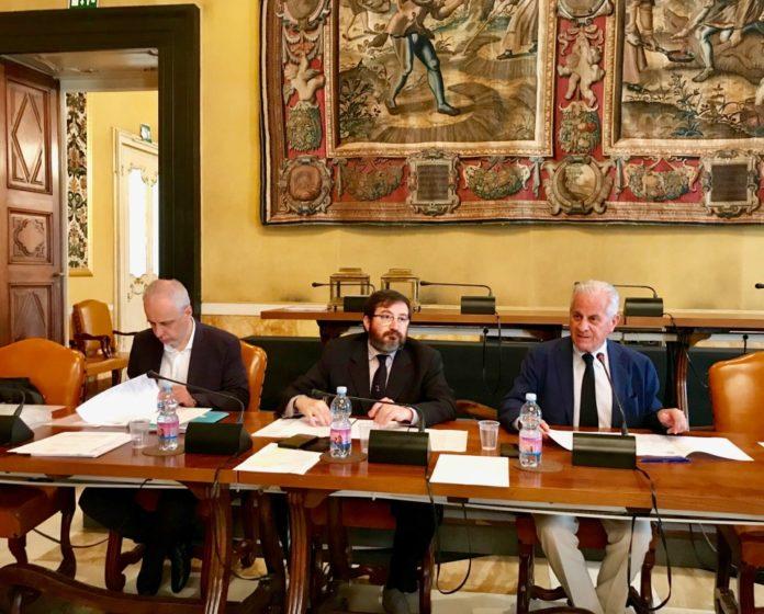 04 Scajola presiede con il segretario Vinai e il vicesegr. Petralia