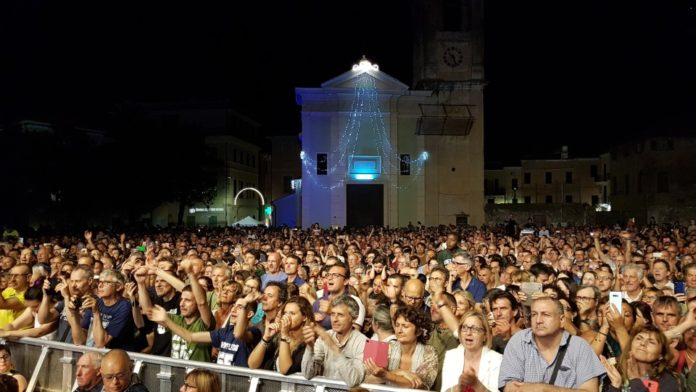 08 Notte Bianca a Loano concerto Edoardo Bennato 2019
