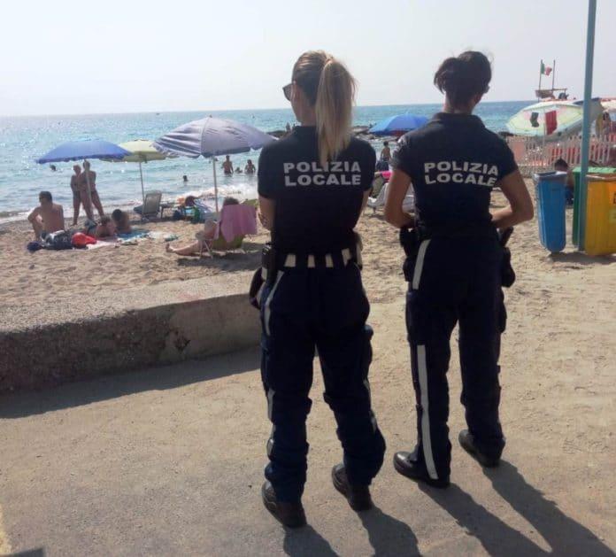 01 Controllo spiagge a Ceriale